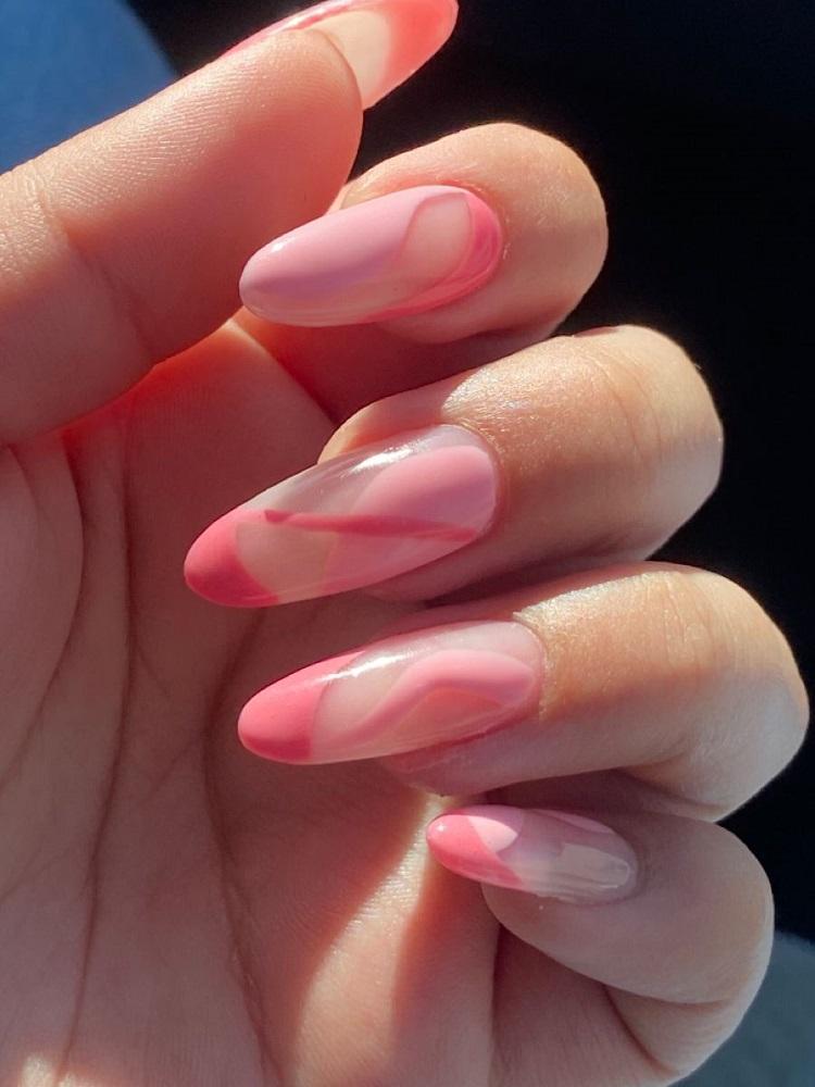 manicura rosada para este verano